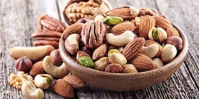 Perché mangiare frutta secca oleosa e quali benefici comporta