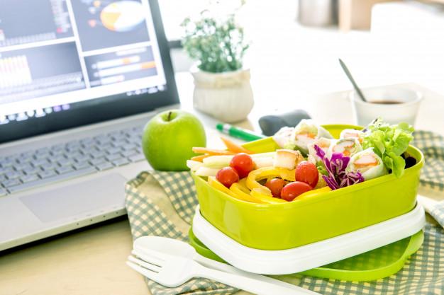 Come organizzare un pranzo in ufficio? - Todis Supermercati