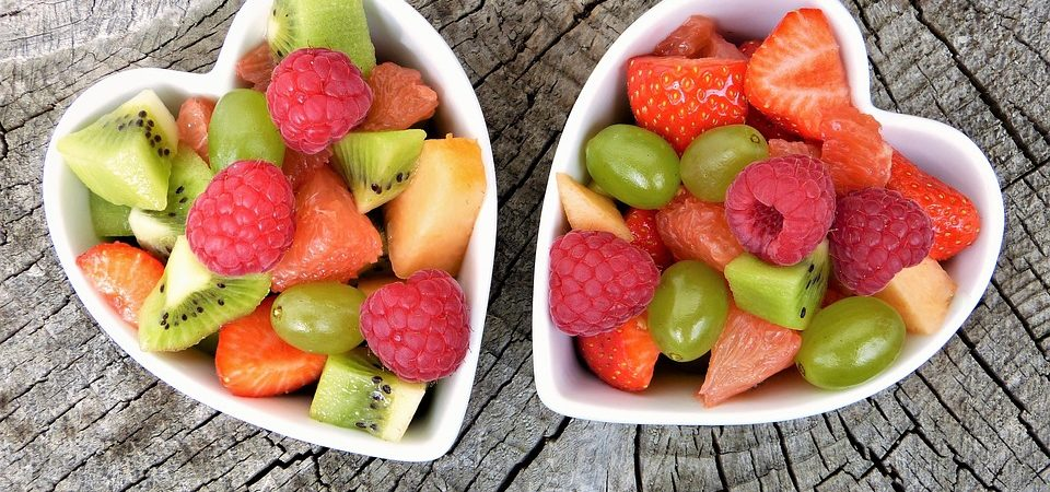 Frutta di stagione: mangiare a colori